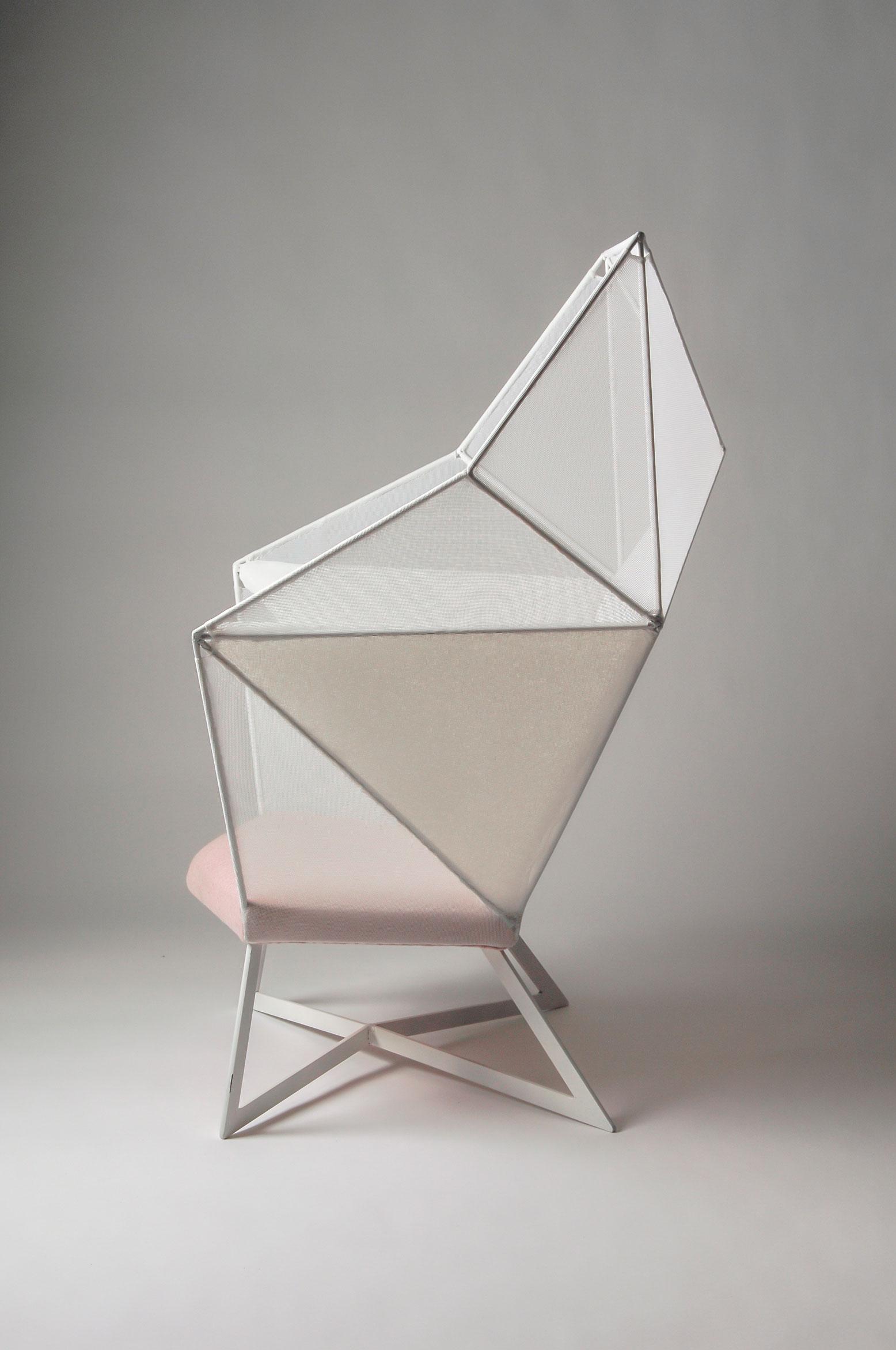 Eva-Fly_A-Brilliant-Chair_03