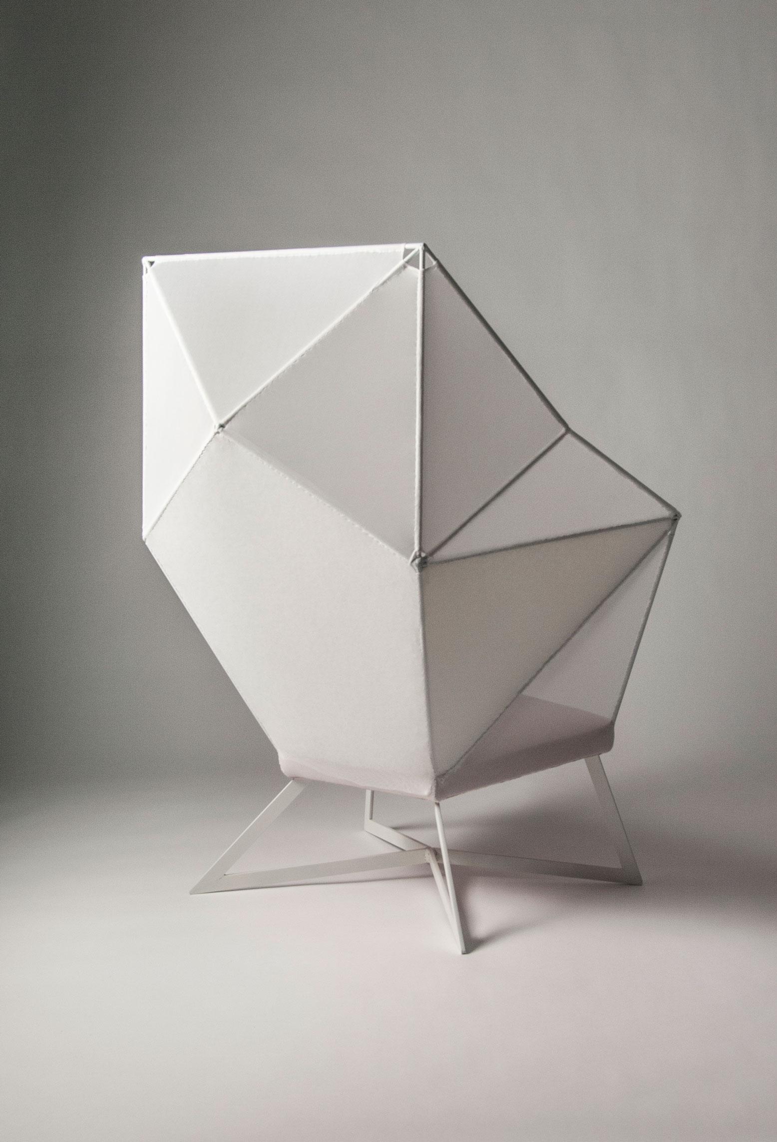 Eva-Fly_A-Brilliant-Chair_04