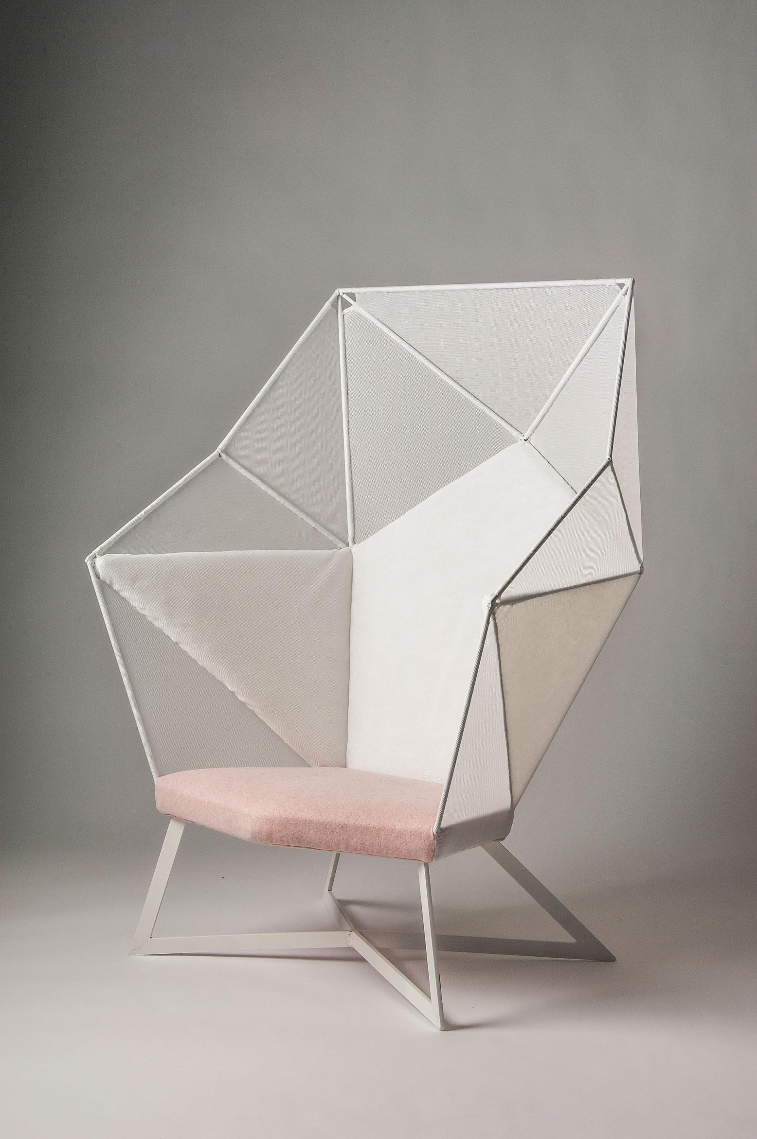 Eva-Fly_A-Brilliant-Chair_05