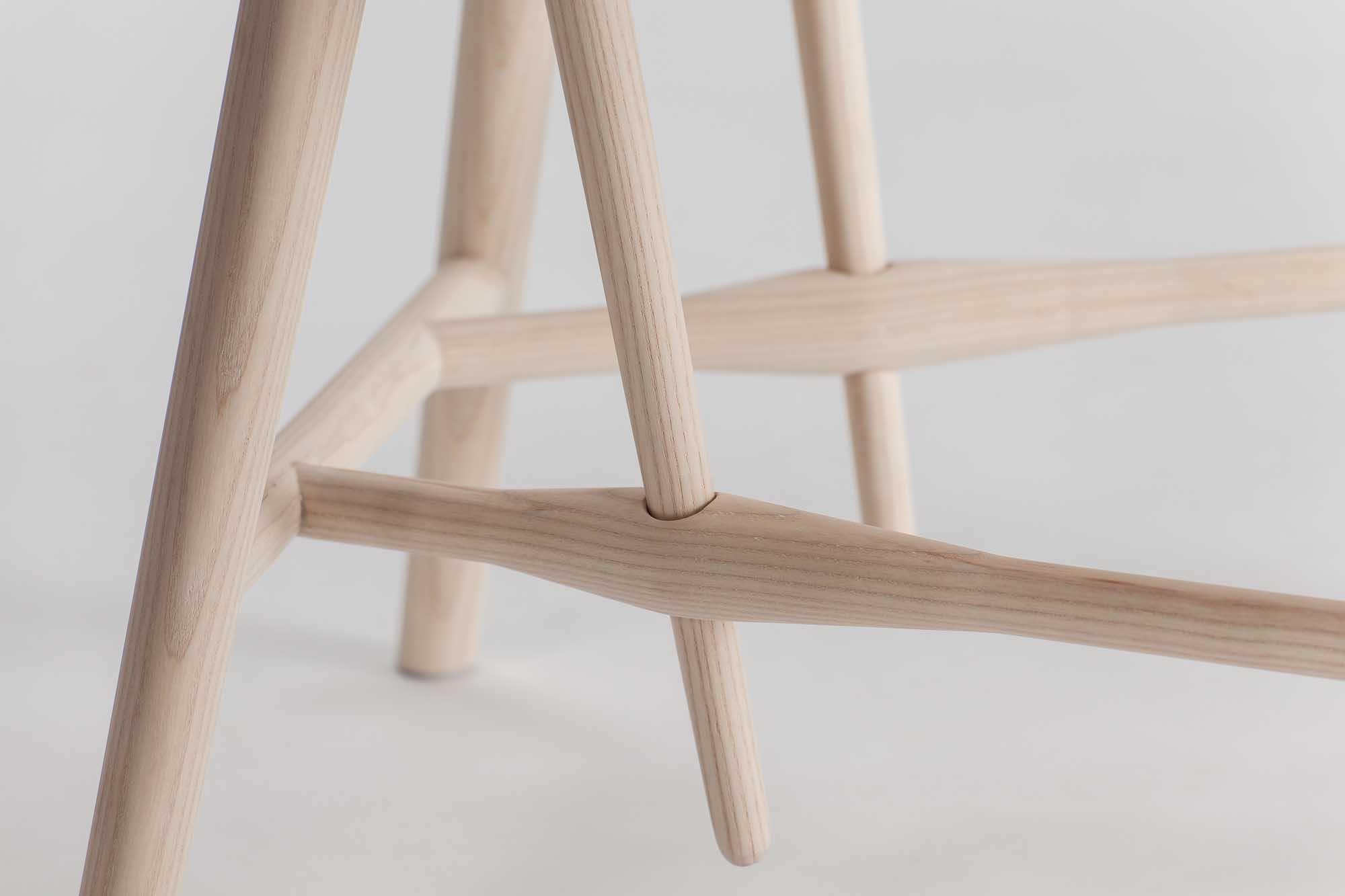 Eva-Fly_Needle-Chair_01